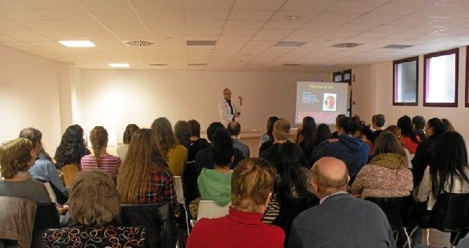 FADEMA imparte una charla sobre el autocuidado de las personas discapacitadas