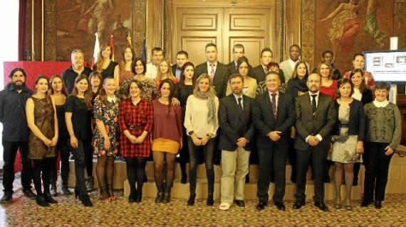 Una veintena de jóvenes restaura más de 100 obras de municipios de la provincia