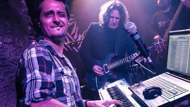 "Juan Giner, All Star Band de Rock FM: ""Pink Floyd, Led Zeppelin o The Beatles fueron fenómenos irrepetibles"""