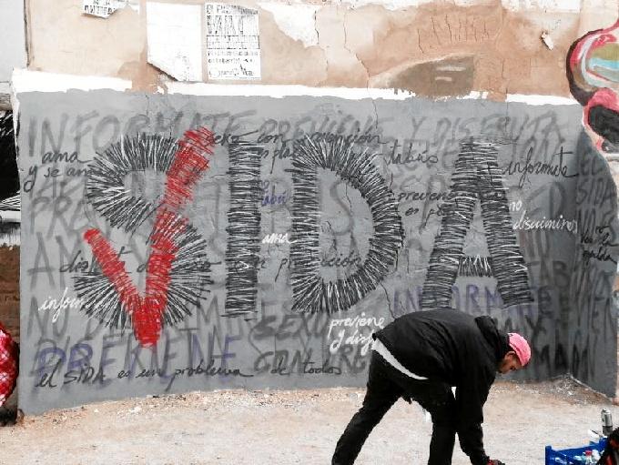 La Asociación OMSIDA y las farmacias de Aragón promueven el diagnóstico precoz del VIH