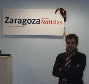David Lozano en la redacción de Zaragoza Buenas Noticias.