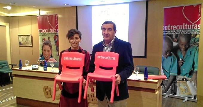 Los zaragozanos se unen por la educación en la carrera 'Entreculturas Aragón'