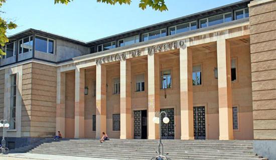 La reforma constitucional se abre a debate universitario