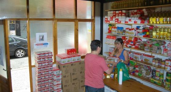 'Entrevecinos' retoma la campaña de recogida de alimentos para personas desempleadas