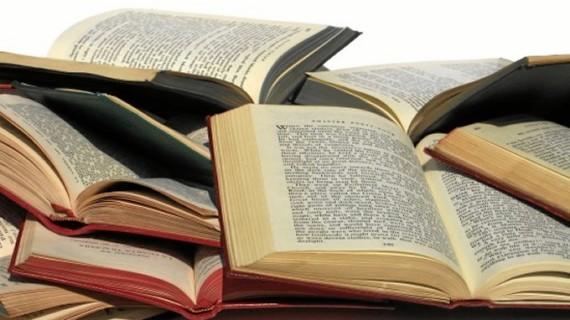 Lecturas sorpresa en la biblioteca Cúbit de Zaragoza