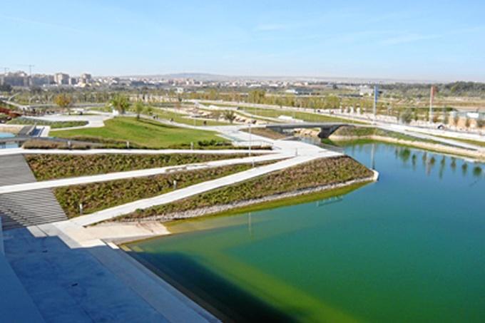 La exposición 'Zaragoza en Verde. Memoria del futuro' muestra la evolución de la ciudad en los últimos diez años