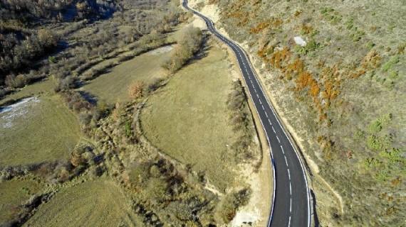 Finalizado el arreglo del acceso a Longás, que deja de ser el único municipio de la provincia sin carretera