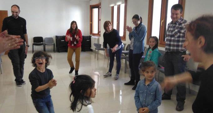 El Taller de Padres y Madres de Campo de Daroca celebra una nueva cita el 20 de abril