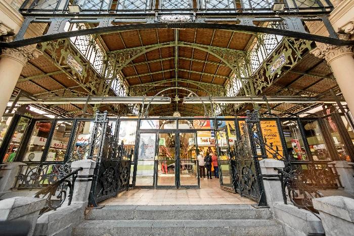 La campaña municipal 'Mercados de Zaragoza' busca revitalizar estos espacios comerciales en la ciudad