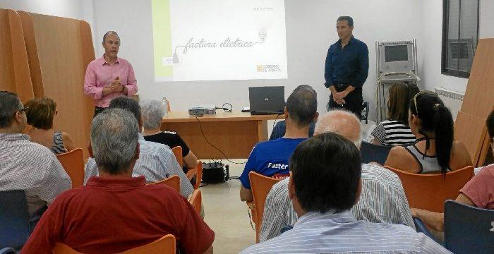 Villar de los Navarros acoge una charla informativa sobre la factura eléctrica