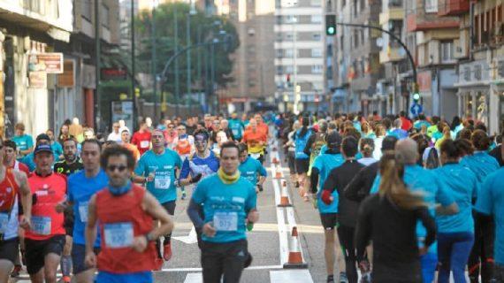 Más de 1.000 corredores llenan de running las calles de Zaragoza