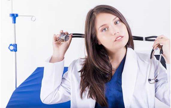 ¿Qué es la dermatología y qué patologías puede tratar un dermatólogo?