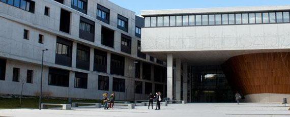 Una exposición muestra la evolución e historia de los estudios de Magisterio en Zaragoza con motivo de su 175 aniversario