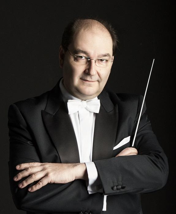 Miquel Rodrigo, director de la Orquesta Sinfónica del Conservatorio Superior de Música de Aragón.