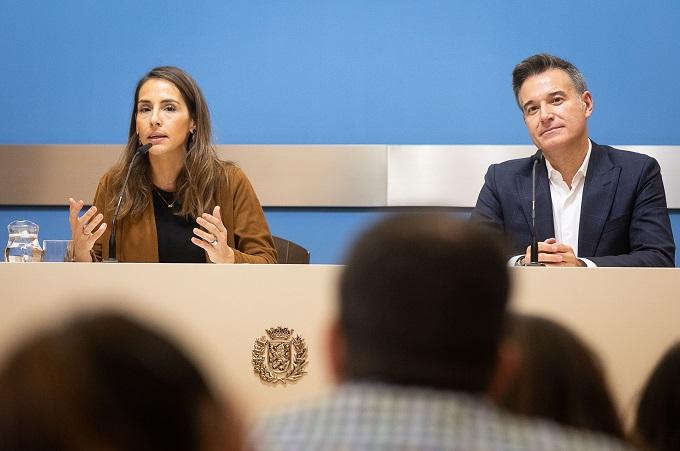 Comparecencia de los consejeros María Navarro y Víctor Serrano tras la reunión del Gobierno de Zaragoza.