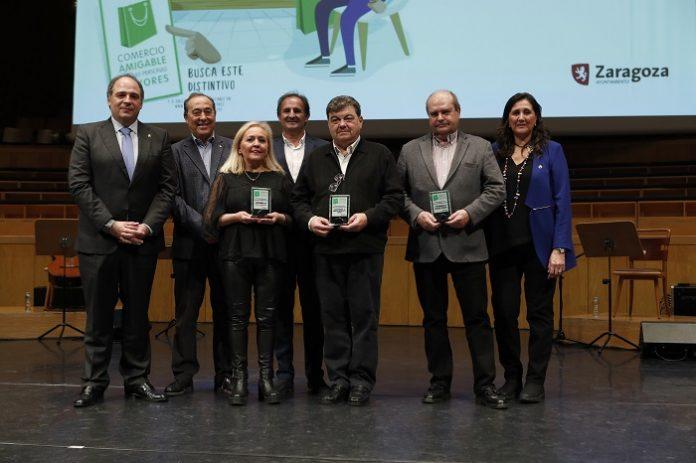 Premiados en la VII Gala Homenaje a las Personas Colaboradoras en los Centros de Convivencia de Mayores del Ayuntamiento de Zaragoza.