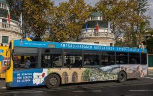 Un autobús 'mueve' por Lisboa la imagen de Aragón.
