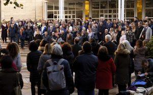 En el Edificio Pignatelli se ha dado lectura a un manifiesto contra la violencia contra la mujer.