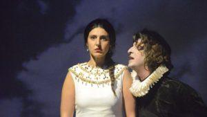 Valor, agravio y mujer' es una obra de Ana Caro.