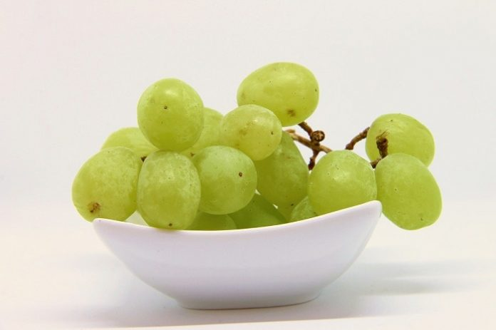 Tomar una uva con cada campanada, la tradición de Fin de Año más extendida.
