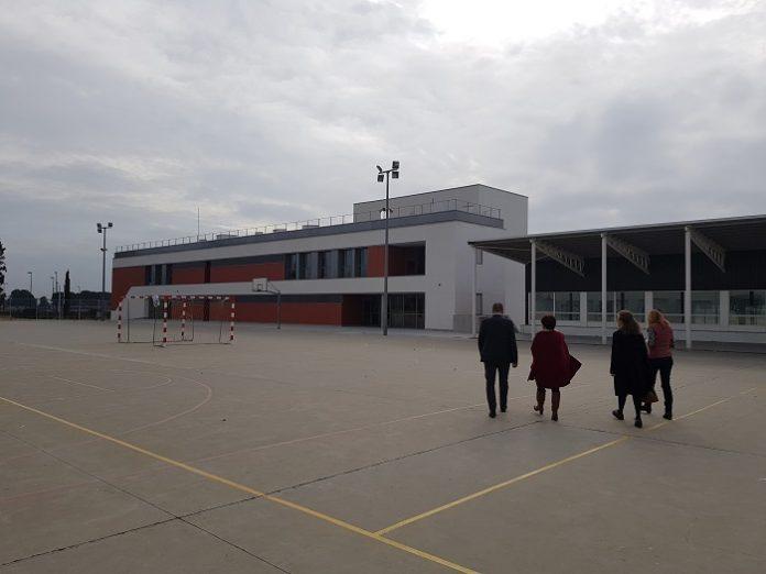 Los alumnos de Bachillerato del IES Clara Campoamor estrenan edificio