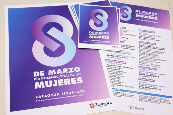 Zaragoza se ilumina de magenta por el Día de la Mujer