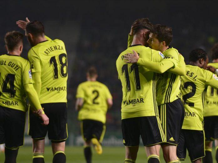El Real Zaragoza se sitúa en puestos de ascenso directo tras ganar al Elche (1-2)