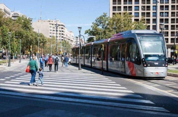 Autobús y tranvía gratis para el personal sanitario en Zaragoza