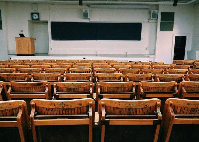 Permiten a universitarios desplazarse a recoger sus enseres dentro de la provincia