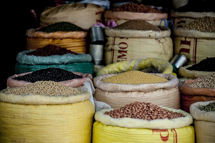 El Banco de Alimentos prevé recoger 30 toneladas en los centro cívicos