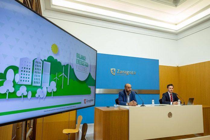 Zaragoza plantea colocar placas solares en los edificios municipales