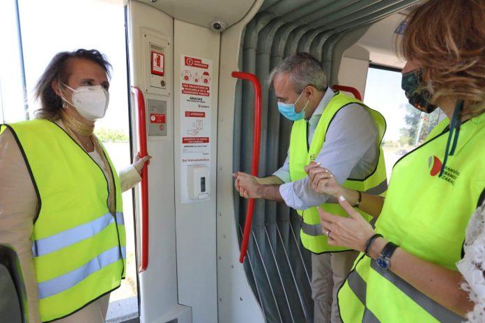 Autobús y tranvía de Zaragoza recuperan las frecuencias habituales con aforo limitado