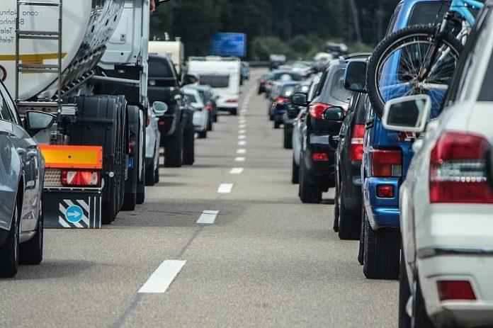 Cortan la calle Azoque y abren al tráfico el Paseo Echegaray y Caballero