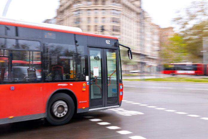 El billete sencillo de autobús podrá adquirirse a través del móvil