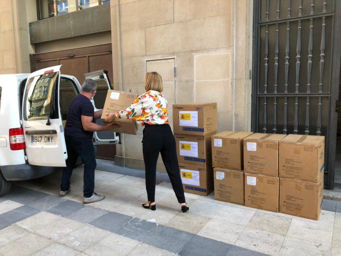 Aragón entrega 20.000 mascarillas a Cruz Roja, Cermi y Cáritas