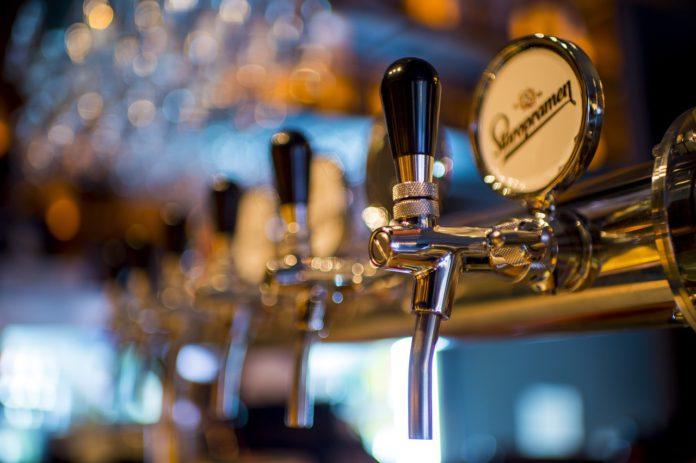 Desalojan en Teruel un bar de madrugada con una docena de clientes