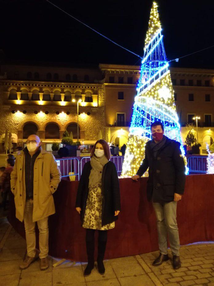 Teruel luce en sus calles el encendido de Navidad