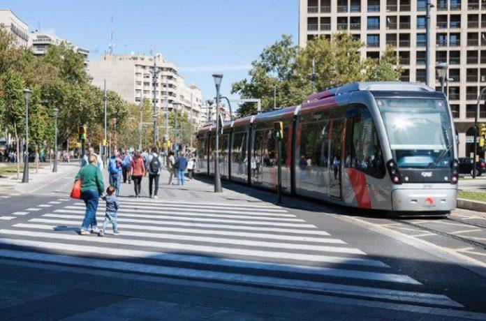 Establecen servicios mínimos de tranvía durante los paros parciales de los conductores
