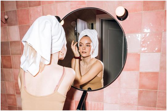 Consejos para adoptar una rutina de cuidado facial