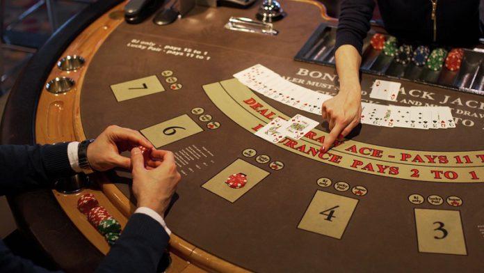 6 trucos para que ganes jugando al blackjack online